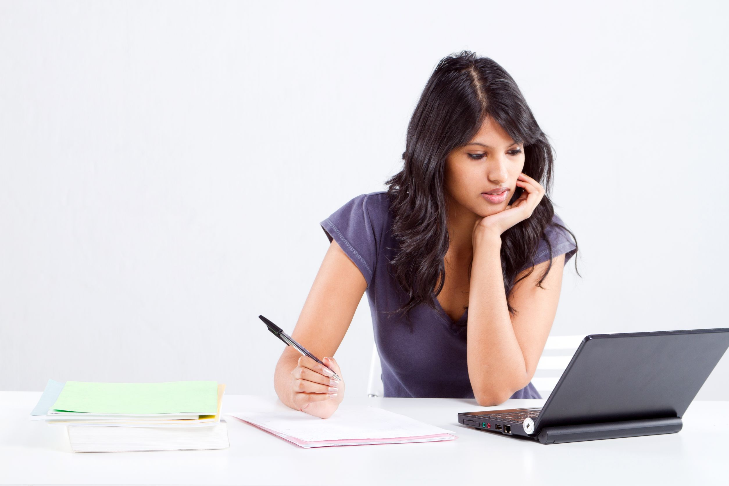 the benefits of having a job while studying How to work and study at the same time there are some definitive benefits of working while you're getting a degree among the most obvious, you'll be earning a paycheck.